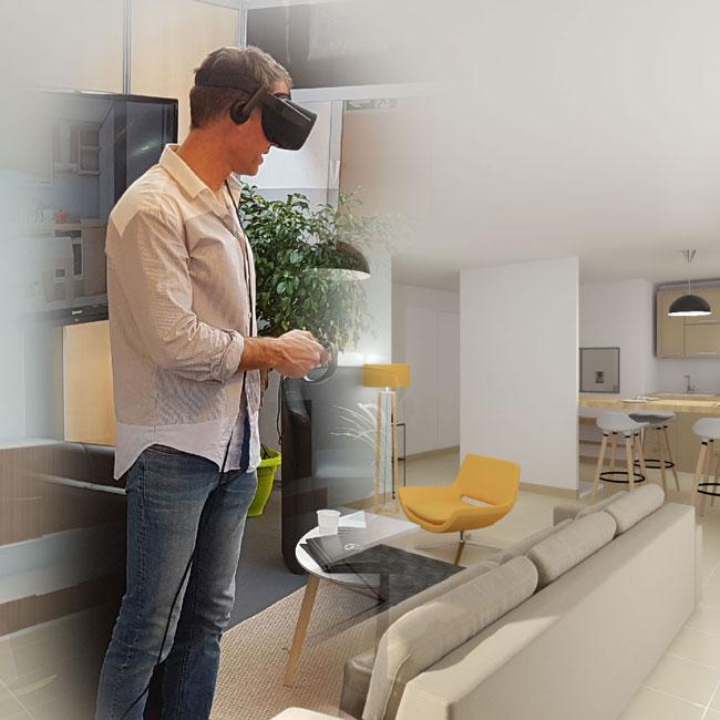 Un homme effectue une visite virtuelle à l'aide d'un casque de réalité virtuelle sur un salon